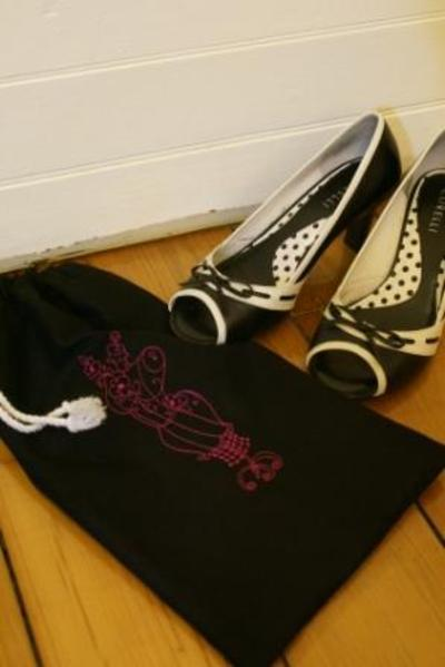 Drawstring_shoe_bag_2_web_5